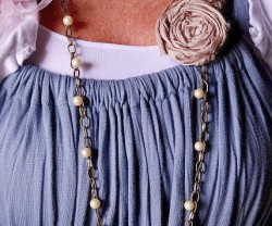threaded+necklace+rosette+[1]