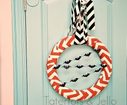 chevron halloween wreath whole view