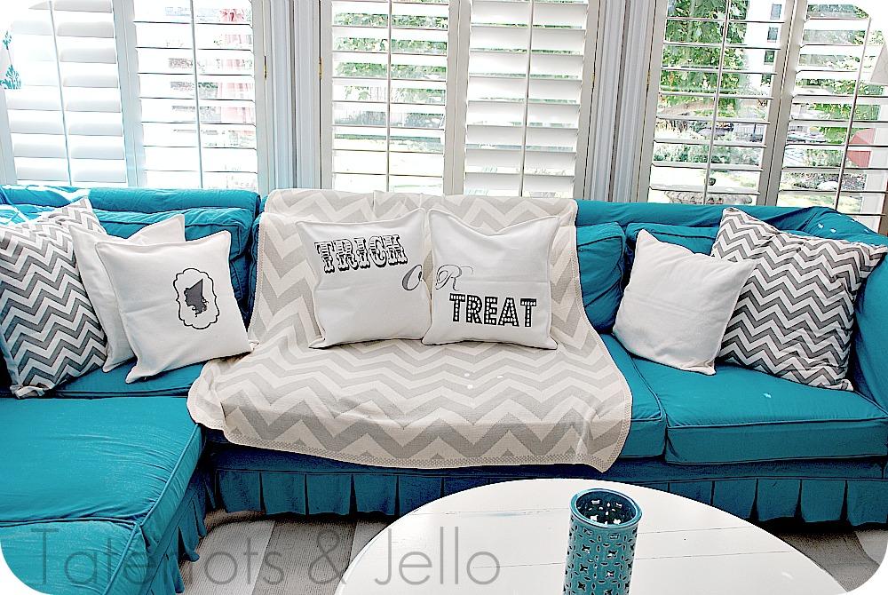 Three Halloween Pillows {tutorial} -- Tatertots and Jello