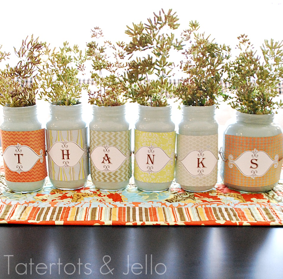 Thanksgiving printable jar labels and centerpiece