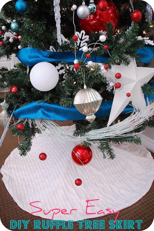 Make the easiest ruffle tree skirt holiday tutorial