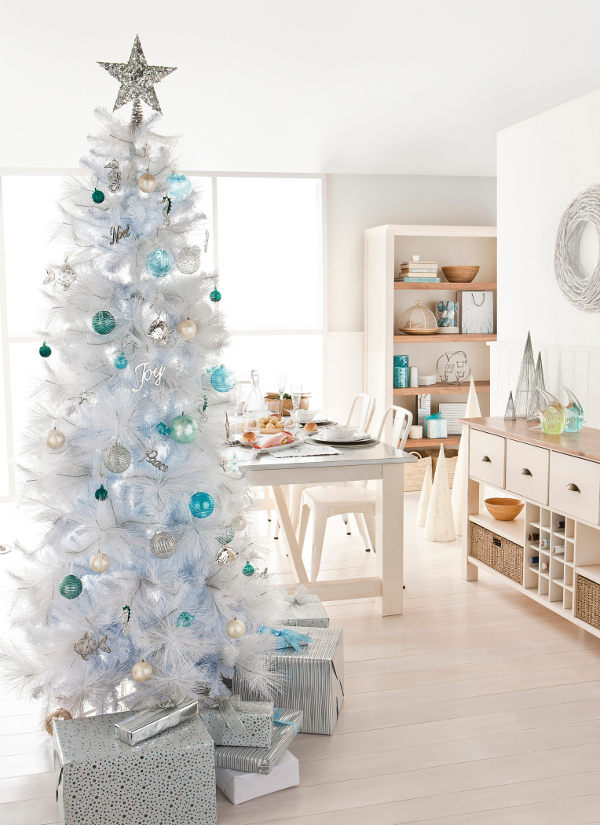 10 tree decorating ideas and tips tatertots and jello White christmas tree decorations