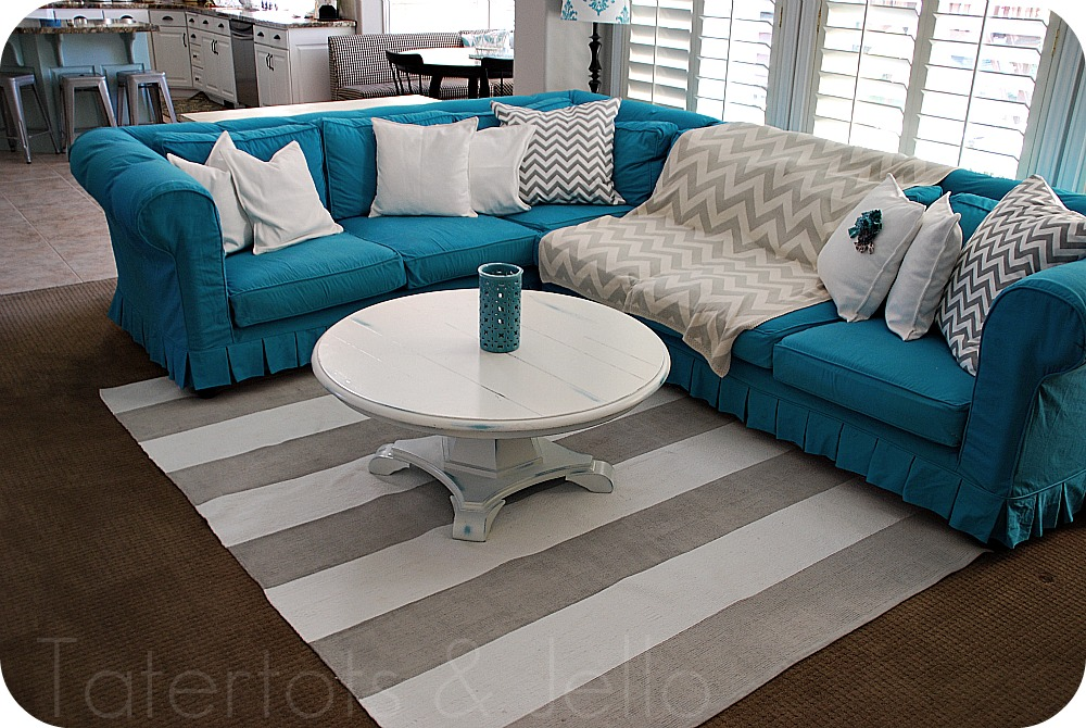 turquoise couch full view