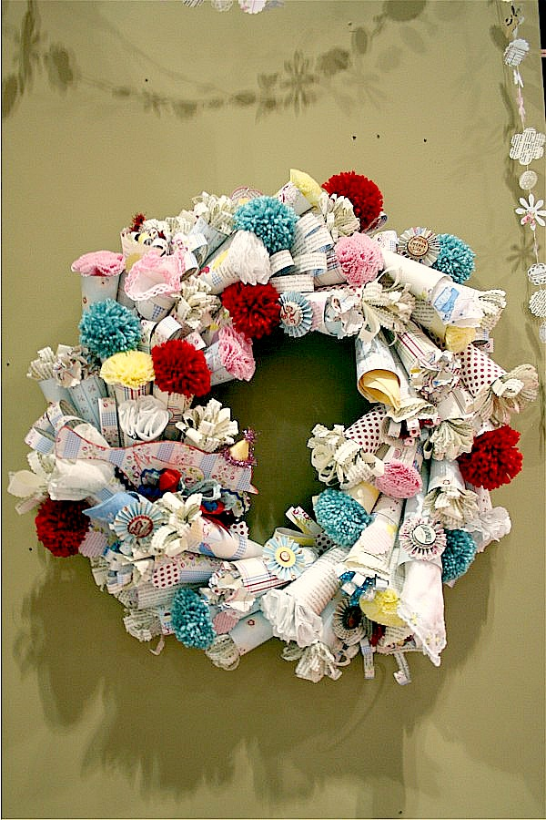 Make a spring paper wreath Making wreaths