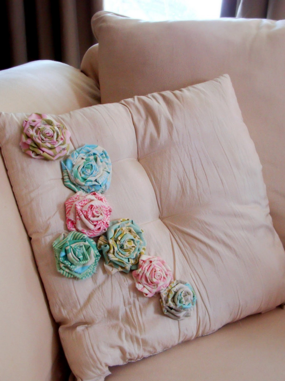 How to Make Rolled Fabric Flowers and 11 Projects You Can Do