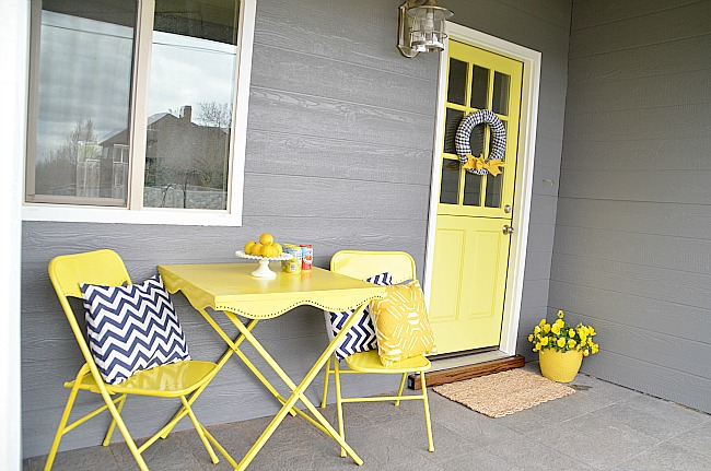 little house front porch after