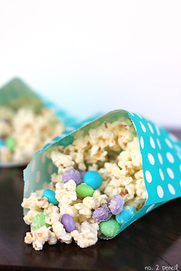 White-Chocolate-Popcorn-Munch-2