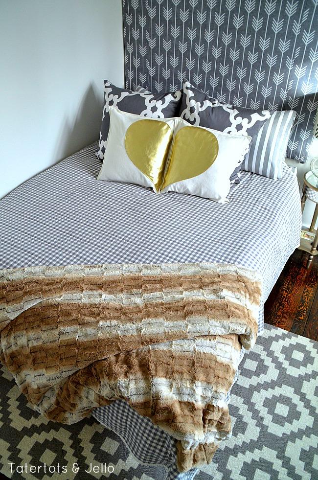 gold leather heart pillow set DIY
