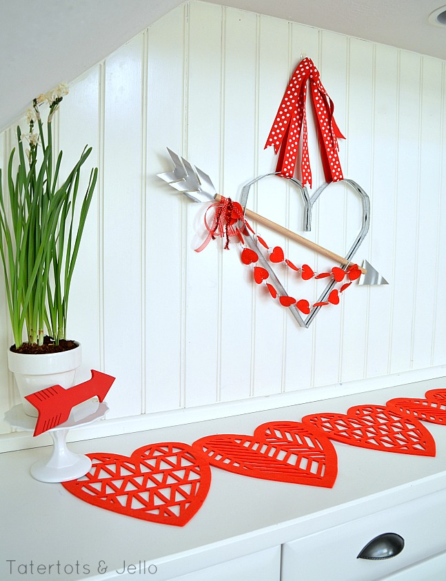 metal heart and bow wall hanging tutorial at tatertots and Jello