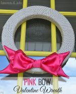 Easy Valentine Idea — Pink Interchangeable Bow Wreath!