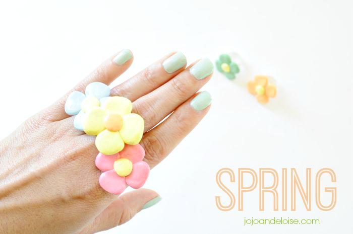 spring-flower-rings-tutorial-using-polymer-clay-jojoandeloise.com_