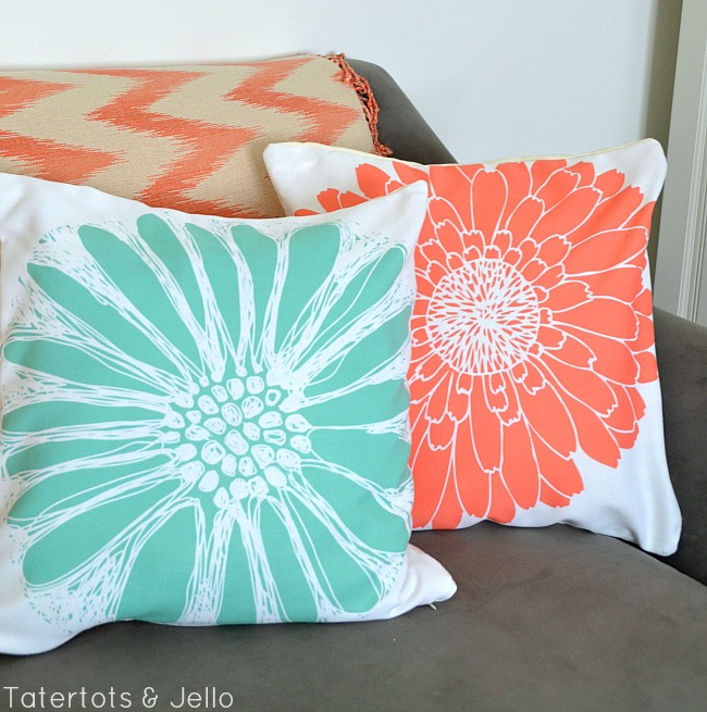 flower pillows and free printables