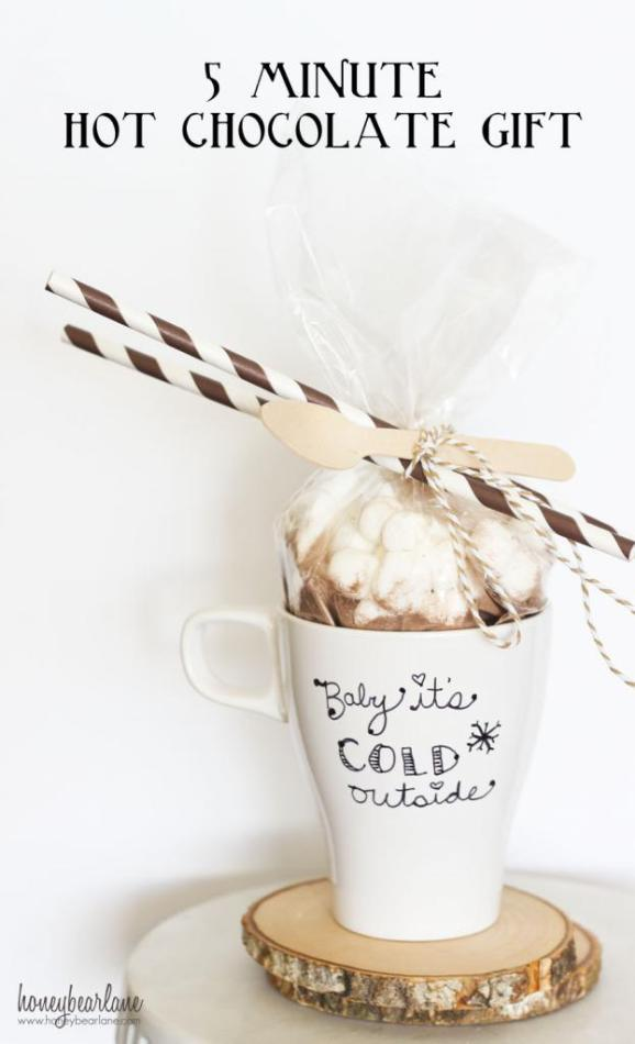 HAPPY Holidays: 5 Minute Hot Chocolate Gift -- Tatertots ...