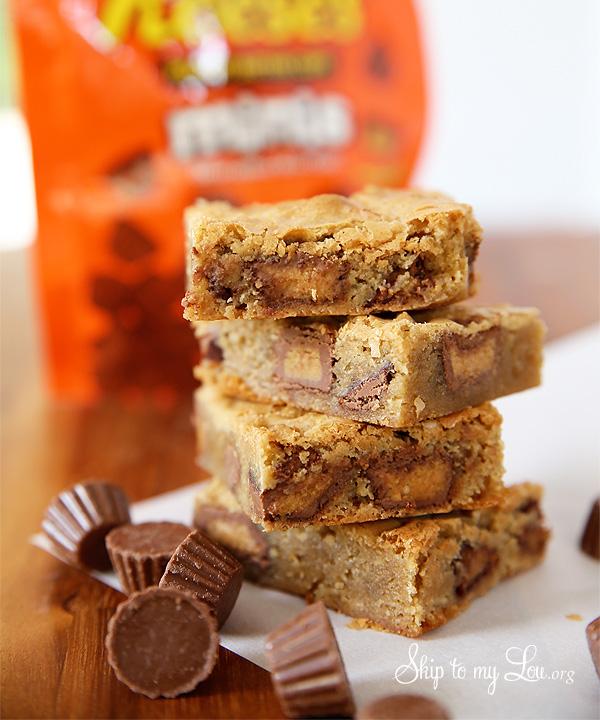 Reeces-Peanut-Butter-Cup-Blondies-Recipe