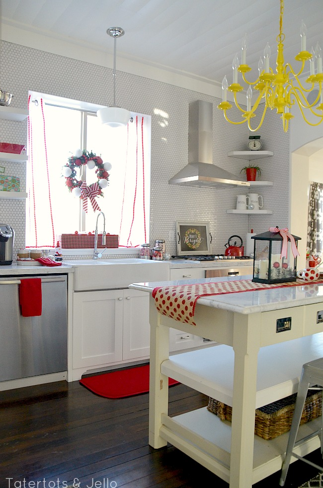 red and white christmas kitchen at tatertots and jello