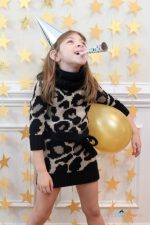 DIY New Years Eve Photo Party Backdrop