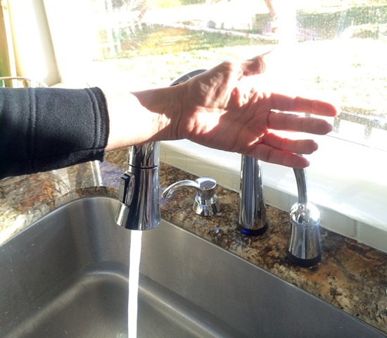 delta.faucet.in.use