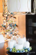 HAPPY Holidays: Easy Christmas Centerpiece Idea