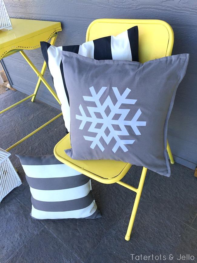 snowflake pillow DIY at tatertots and jello