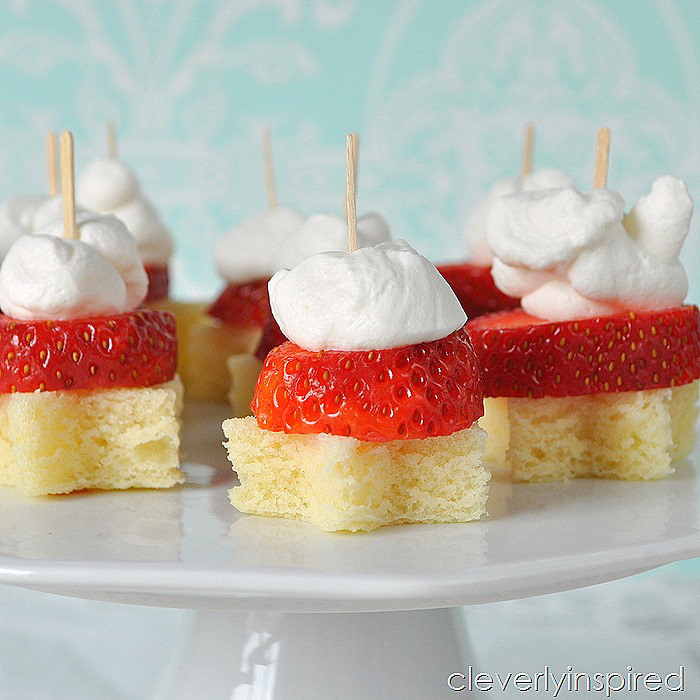 Strawberry Shortcake Sliders -- Tatertots and Jello