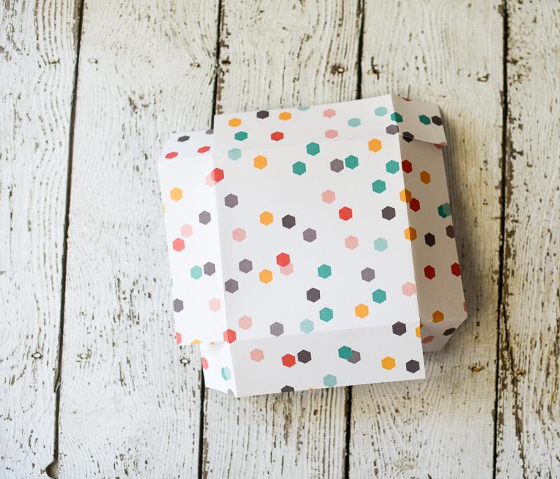 tatertots-jello-hex-gift-wrap-tikkido-6