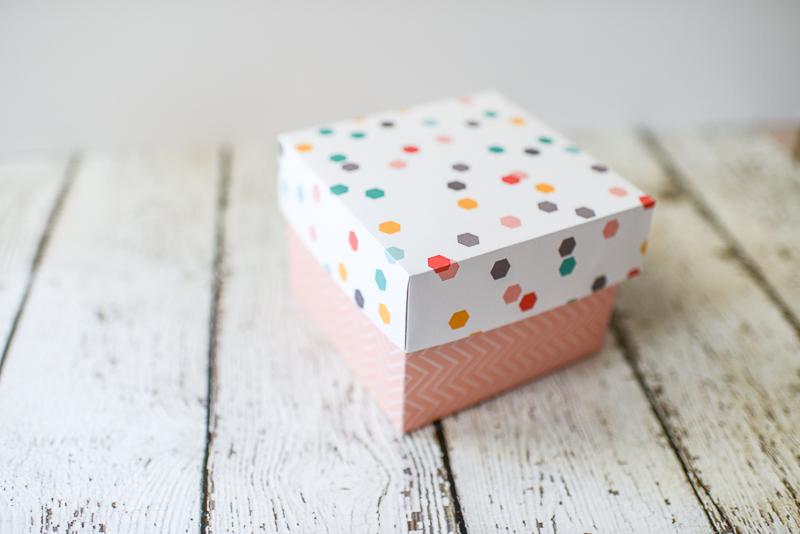 tatertots-jello-hex-gift-wrap-tikkido-8