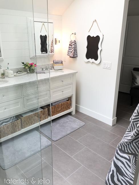 bhg.bathroom.2015.tatertotsandjello-24
