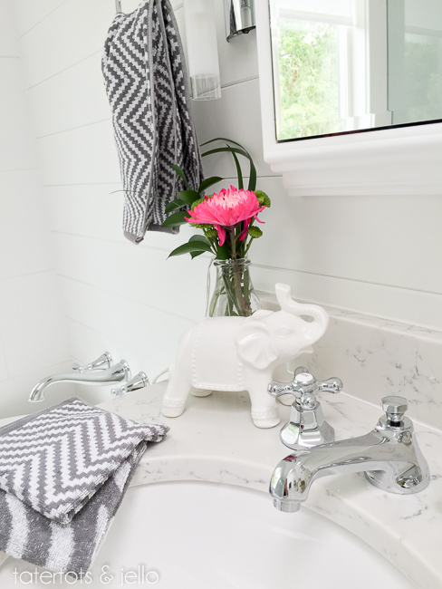 bhg.bathroom.2015.tatertotsandjello-31