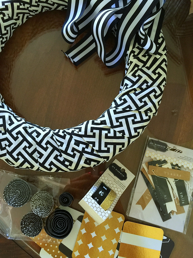 making a project life card home wreath