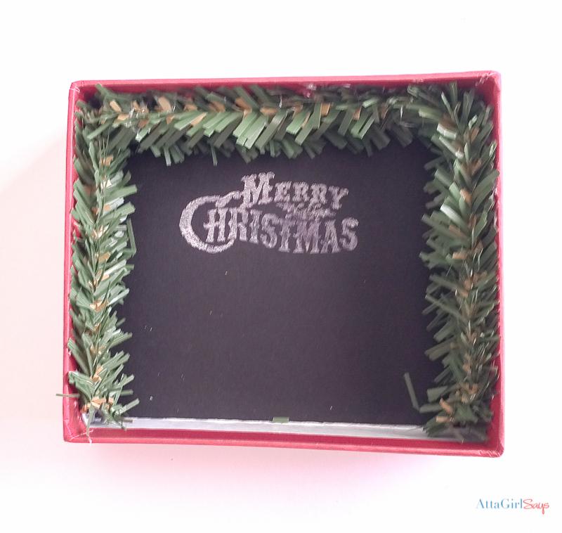 800px-diy-shadowbox-christmas-ornaments-12