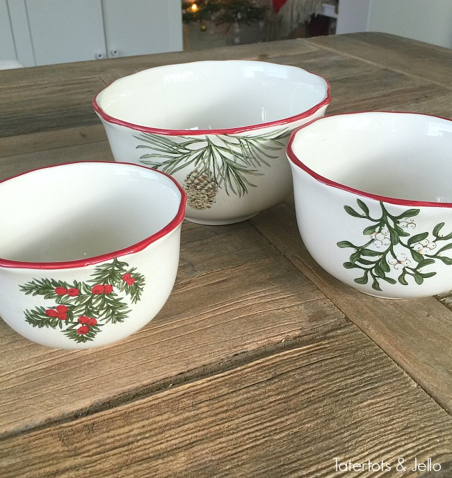 Better Homes and Garden Holiday Bowls