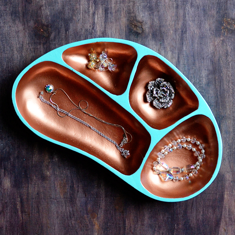 thrifted-copper-jewelry-organizer-americana-decor-maxx-glass-decoart-1