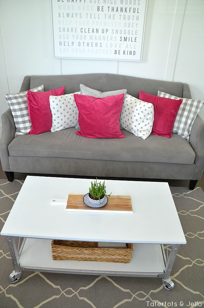 Industrial farmhouse coffee table makeover