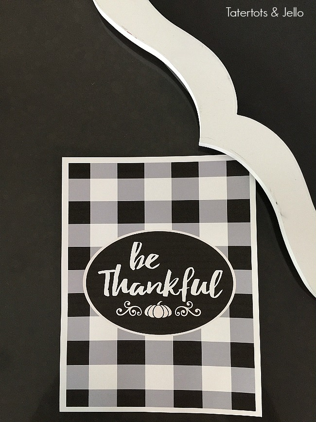 Free Buffalo Check Thankful Printable! Print it off to remind you of all of your blessings this Thanksgiving season. You can also give it as a wonderful gift!