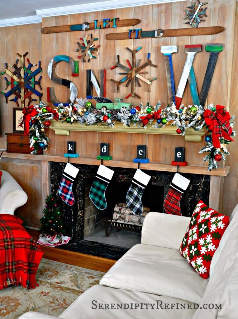 retro-rustic-winter-christmas-ski-lodge-let-it-snow-mantel-plaid