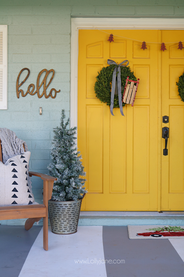 Fresh and beautiful holiday sled wreath. Make this easy wreath in minutes and display it in your home!
