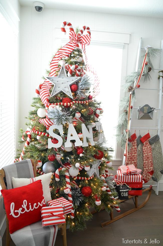 santa-tree-and-north-pole-decorating