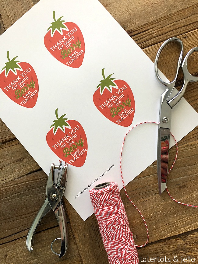 """Berry"" Teacher gift idea and free printable. Show your teacher how much you care with this free Berry printable and a berry gift! Grab the printable and gift idea here!"