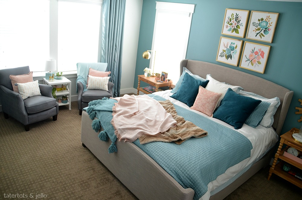 How to create a luxurious master bedroom with paint. Three painting tips to turn your bedroom into an oasis!