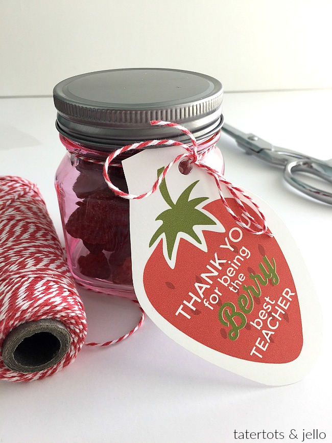 """""""Berry"""" Teacher gift idea and free printable. Show your teacher how much you care with this free Berry printable and a berry gift! Grab the printable and gift idea here!"""