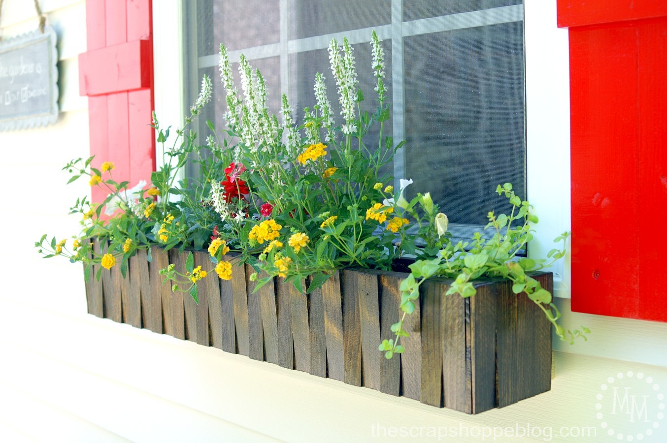 12 Summer Farmhouse Projects!