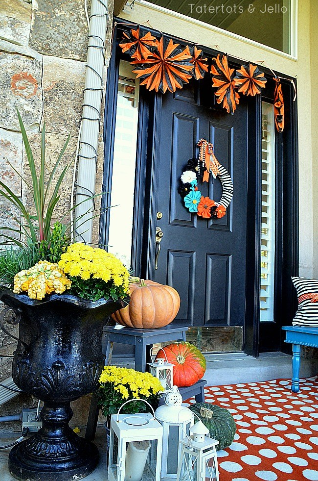 Orange and Black fall porch at tatertots and jello.