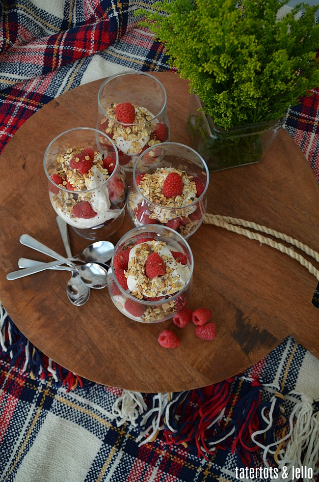 Scottish OUTLANDER Raspberry Trifle combines layers of toasted oatmeal, whipped cream and mascarpone cream, whiskey or caramel flavors and fresh raspberries for a very memorable, delicious trifle dessert!