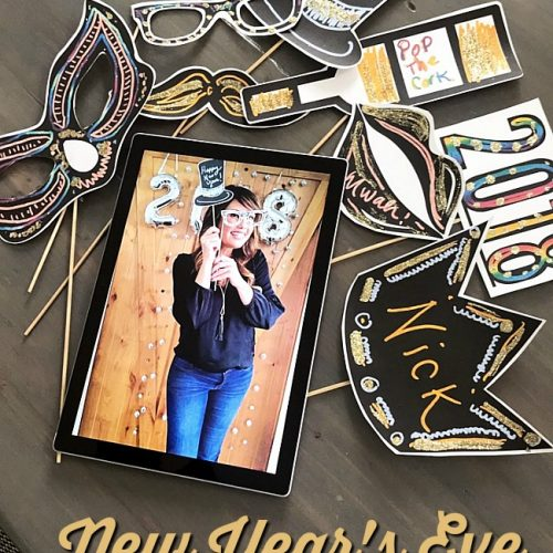 New Years Eve Photo Booth Free Printables - print them off and use the surface to add colors and designs!