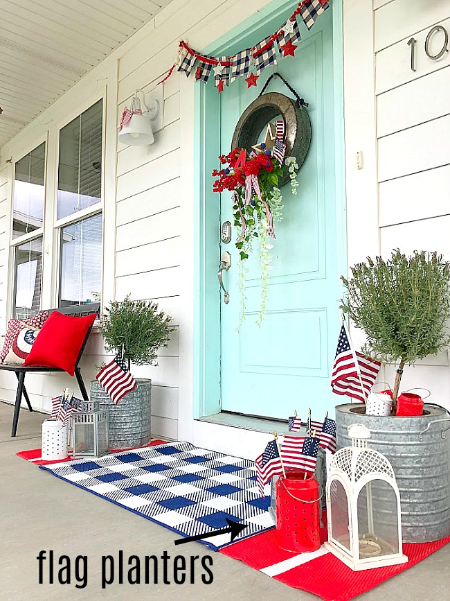 6 ways to decorate your porch for the Fourth of July! Celebrate the Fourth by adding some patriotic flair to the front of your home with these 6 easy ideas!