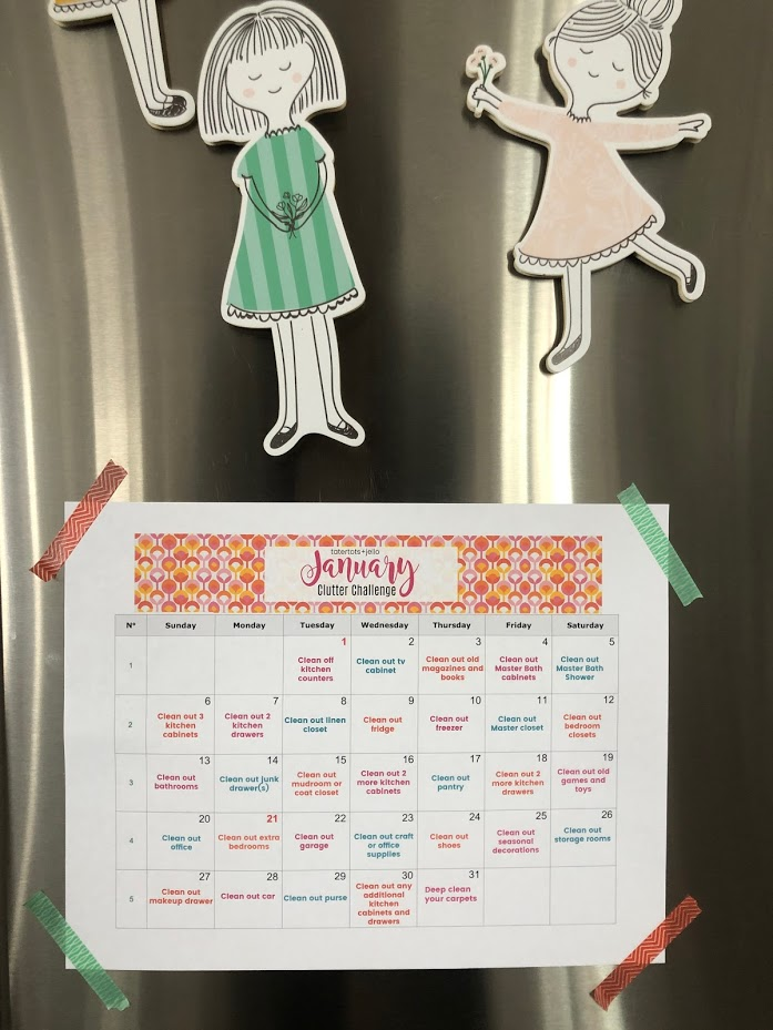 January Clutter Challenge - de-clutter your whole home in just a few minutes a day! Get on track for the new year with this easy de-clutter calendar. In just a few minutes a day you can have a de-cluttered home in a month!