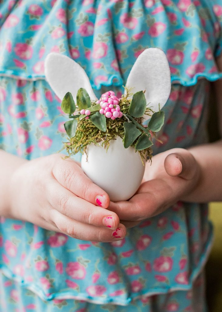 How to Make Bunny Easter Eggs with Tiny Crowns