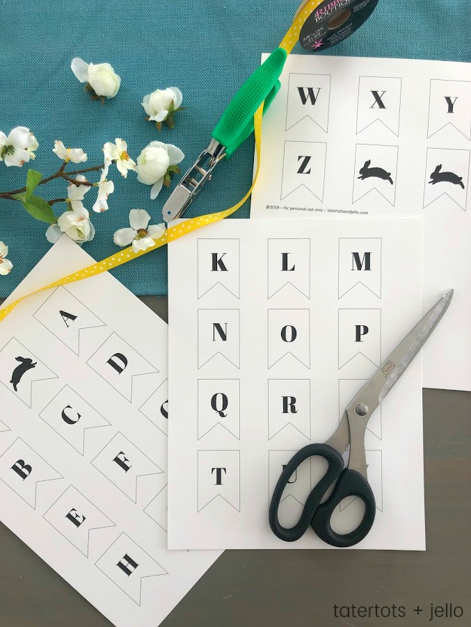 Spring Printable -- Bunny Alphabet Pennant Banner! Spell out anything you want with this modern flag pennant banner. Add the bunny pennants to customize your saying for Spring!
