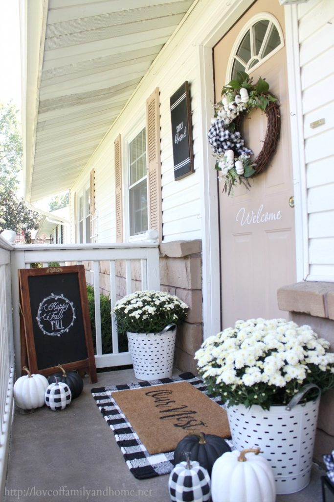 Black & White Fall Porch @ Love of Family and Home