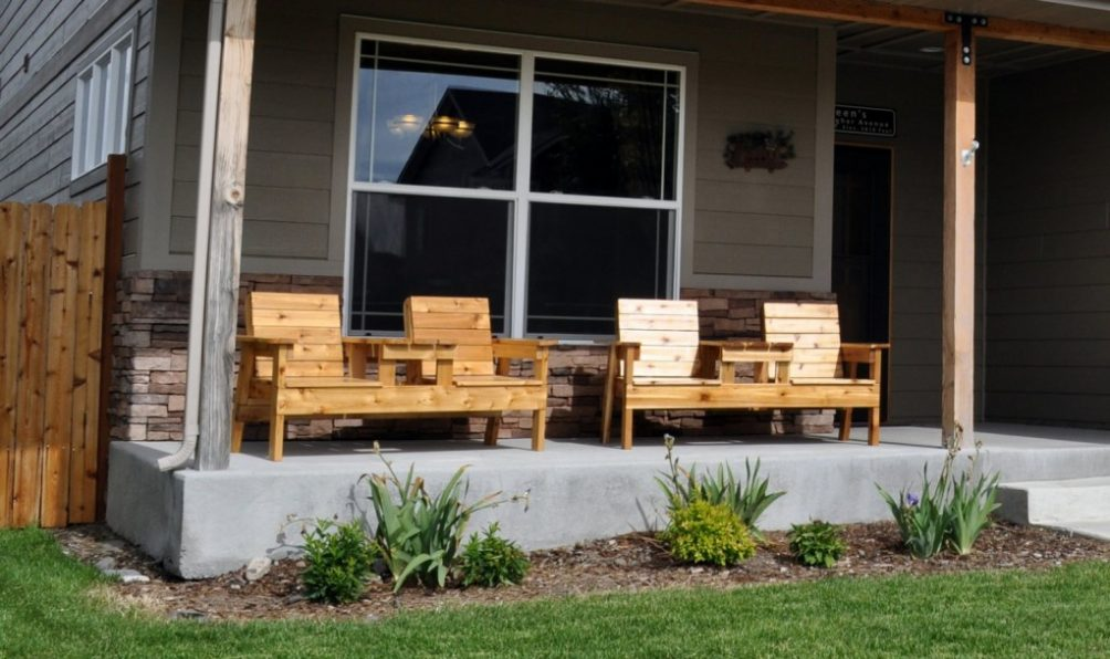 DIY Double Chair Bench with Table Plans @ Projects with Pete
